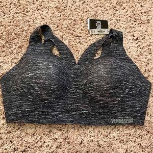 BNWT Victoria sport bra size 38DD